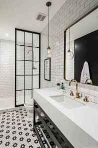 30 Best Farmhouse Bathroom Shower Decor (5)