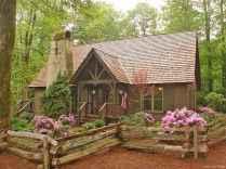 70 Suprising Small Log Cabin Homes Design Ideas (2)
