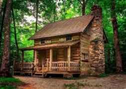 70 Suprising Small Log Cabin Homes Design Ideas (36)