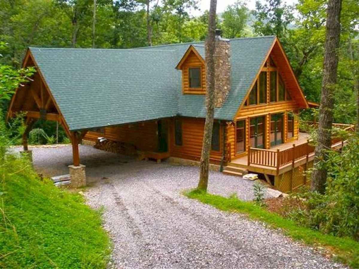 70 Suprising Small Log Cabin Homes Design Ideas (66)