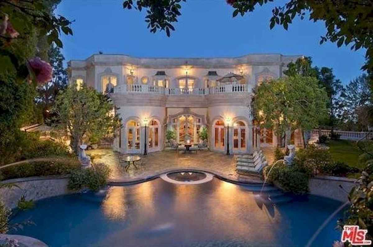 40 Stunning Mansions Luxury Exterior Design Ideas (40)