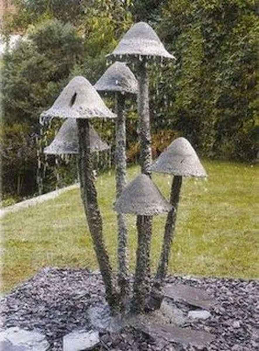 55 Creative Garden Art Mushrooms Design Ideas For Summer (35)
