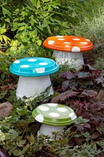 55 Creative Garden Art Mushrooms Design Ideas For Summer (5)