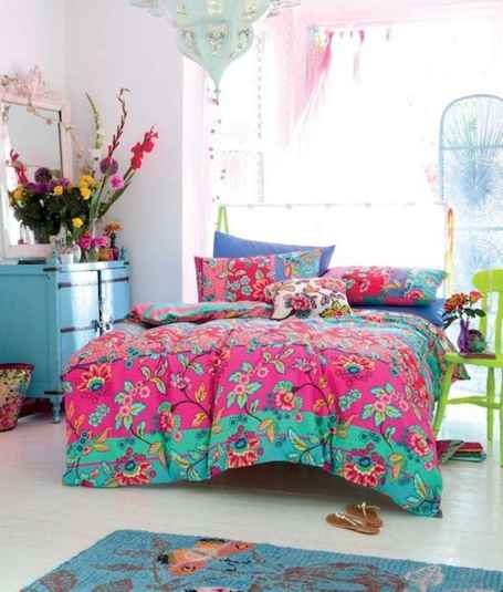 70+ Awesome Colorful Bedroom Decor Ideas And Remodel for Summer Project (5)