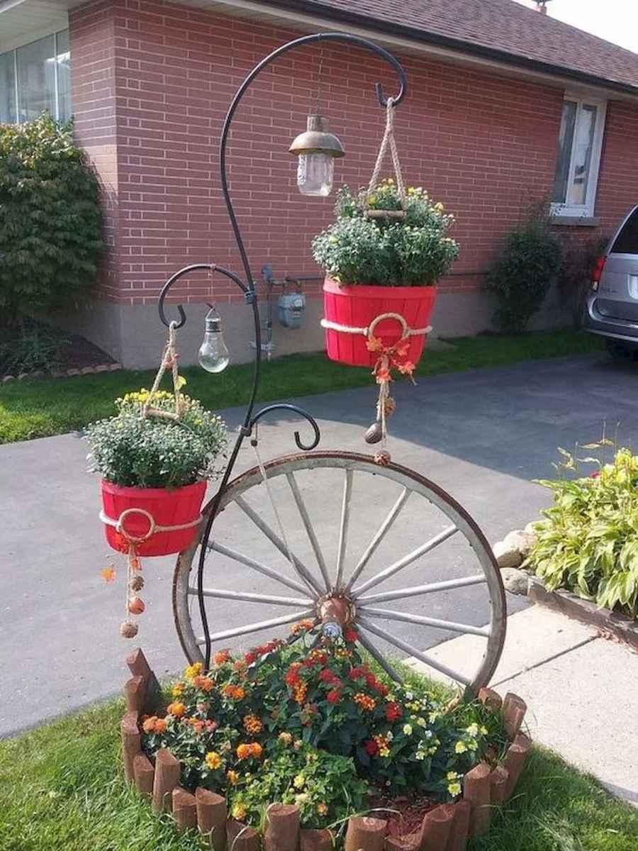 70 Creative and Inspiring Garden Art From Junk Design Ideas For Summer (12)