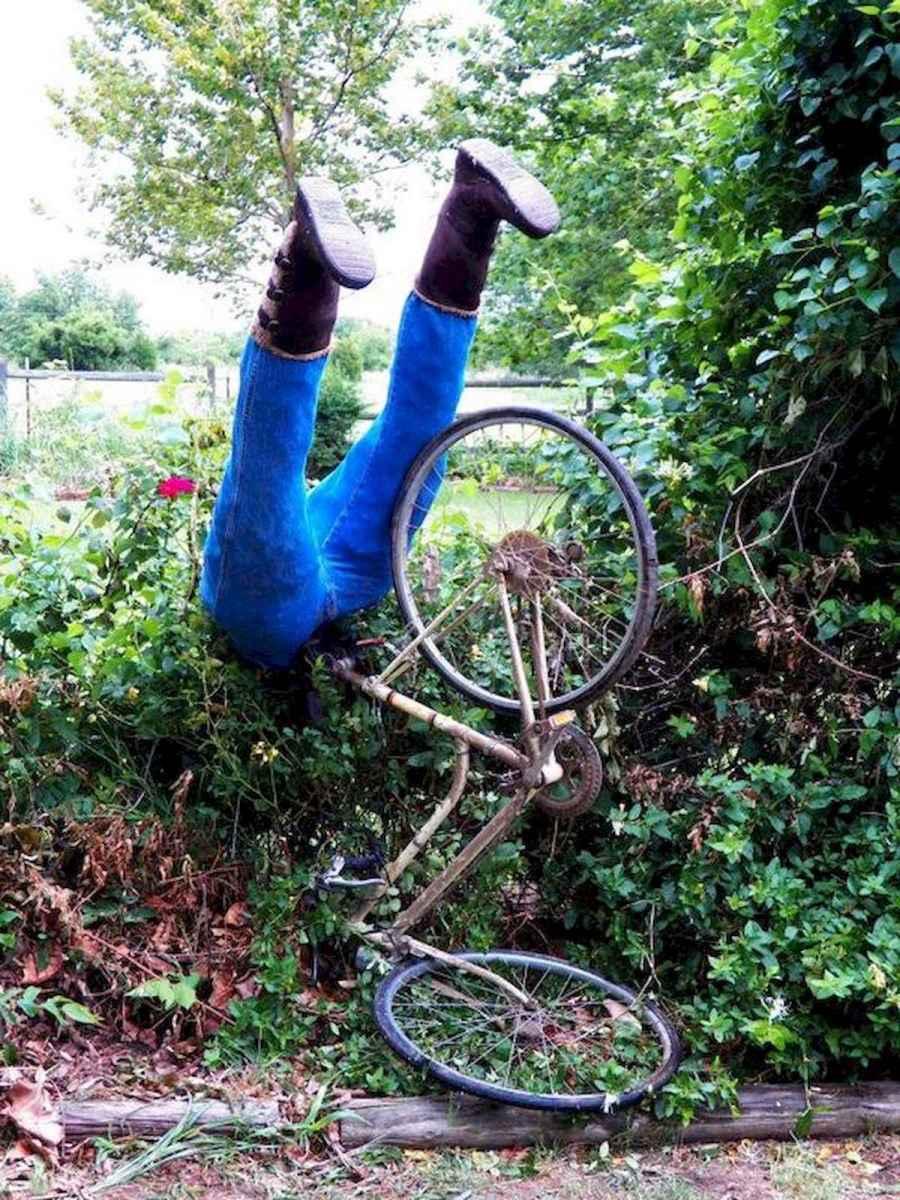 70 Creative and Inspiring Garden Art From Junk Design Ideas For Summer (28)