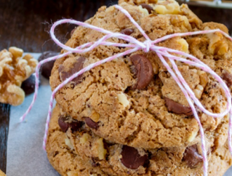 Huey's Chocolate Chip Cookies