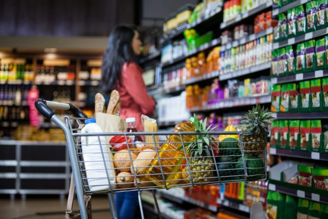 choosing non-GMO Project Verified products in the grocery store