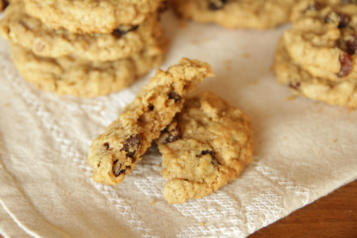 Soft & Chewy Oatmeal Cookies from Living on Cookies