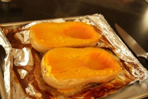 How to Make Pumpkin Puree ~ Living on Cookies