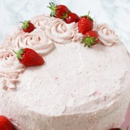 Erdbeer-Rose Cremetorte