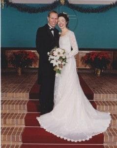 Secondhand wedding dress