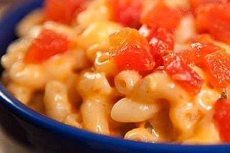 Noodles & Company: Free mac & cheese with entrée purchase