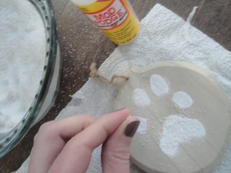 paw print ornament sand mod podge (2)