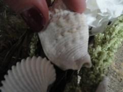 green seashell wreath step 3b