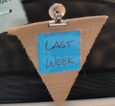 week sign
