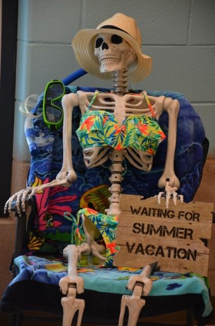 beachify-your-boo-skeleton-533x800
