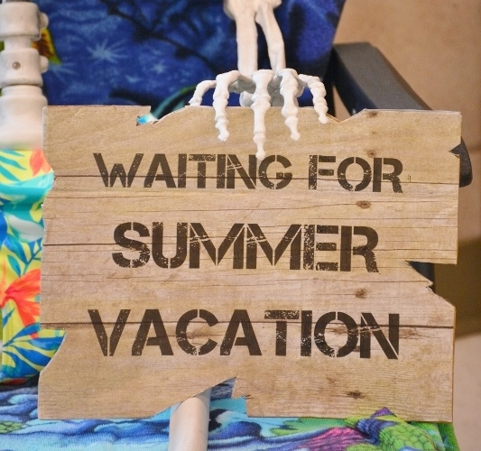 waiting-for-summer-vacation-sign-2