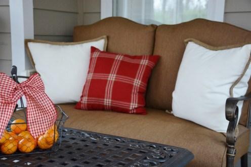 rustic-coastal-christmas-sofa-800x533