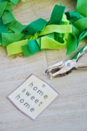 paper plate wreath craft - home sweet home tag
