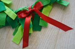 tie a red ribbon on the bottom 2