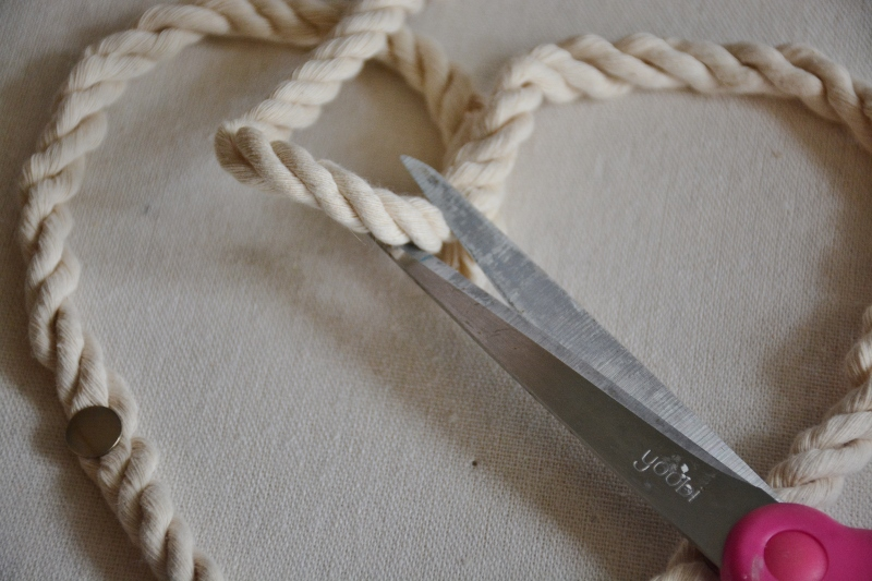 rope seashell shadowbox step 1d