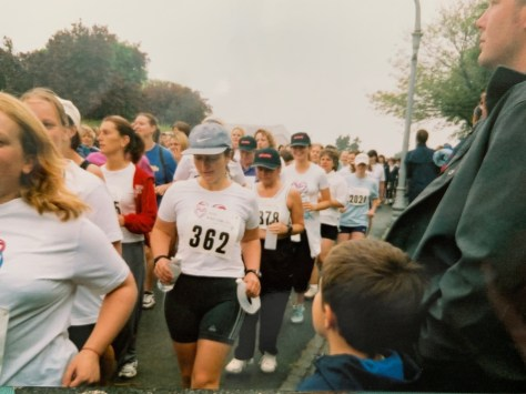 Why I run. Image of ladies taking part in Race for Life