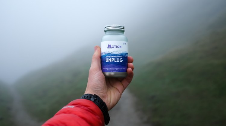 Sleep well: How to win at sleeping! (and why you should want to). How to get a better night's sleep. Image of Motion Nutrition's Night time Nootropic Unplug