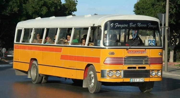 10 Things you should know about Malta. Going to Malta - what you need to know. Image of a Maltese Bus
