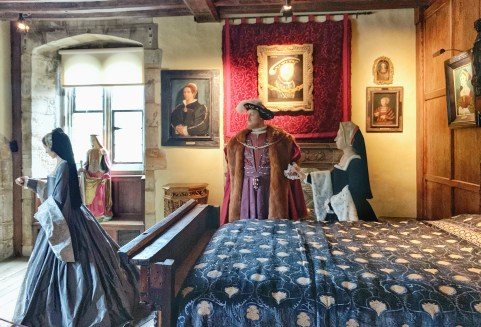Mannequins of Henry VIII & some of his wives in the Queens' Chamber room at Hever Castle