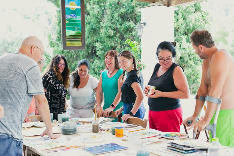 Painting class on a Skyros holiday