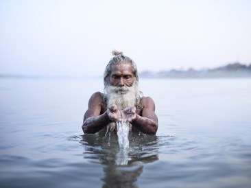 Joey_L_Photographer_Vijay_Nund_Ganges_River_002