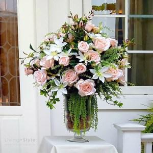 กุหลาบเจนนีสีชมพูอ่อน แซมดอกคอนฟาวเวอร์สีขาว 1