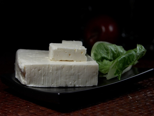 5 Reasons to Eat Feta Cheese Daily