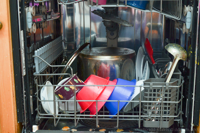 Maytag dishwasher dishes