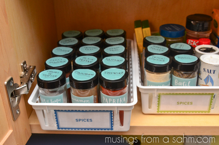 easy to see spice jars