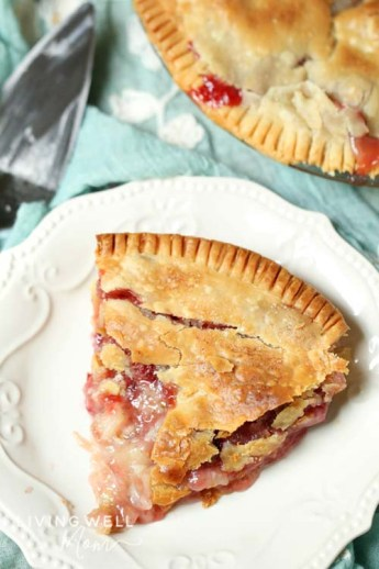 homemade strawberry rhubarb pie slice