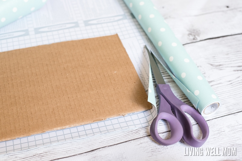 "Say good-bye to big ugly pet placemats and make your own with this very simple DIY Cat Food Placemat. It's so easy to make, no ""DIY talent"" required, and you can customize the colors/design AND size to get the perfect placemat for your kitty!"