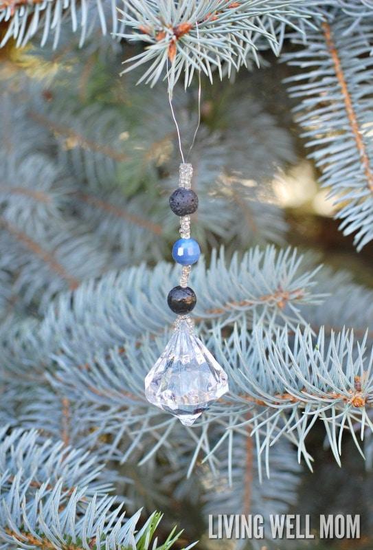 eo-diffuser-christmas-ornament-5-wm