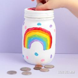 Love simple kid-directed DIY projects? You'll love this fun rainbow mason jar piggy bank for girls! Kids will love making their very own bank!