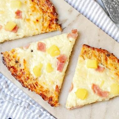 Hawaiian cauliflower pizza crust recipe, cauliflower pizza recipe, paleo cauliflower pizza, how to make cauliflower pizza crust