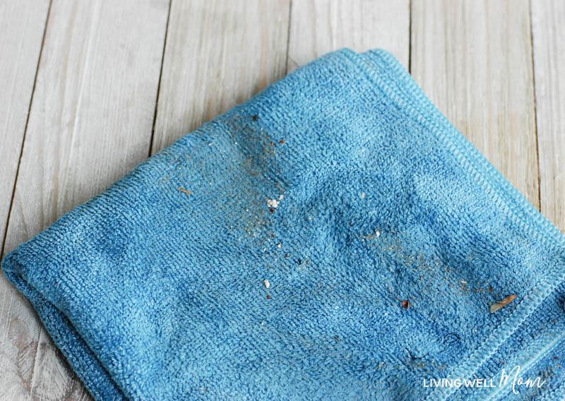 Diy dusting spray microfiber cloth