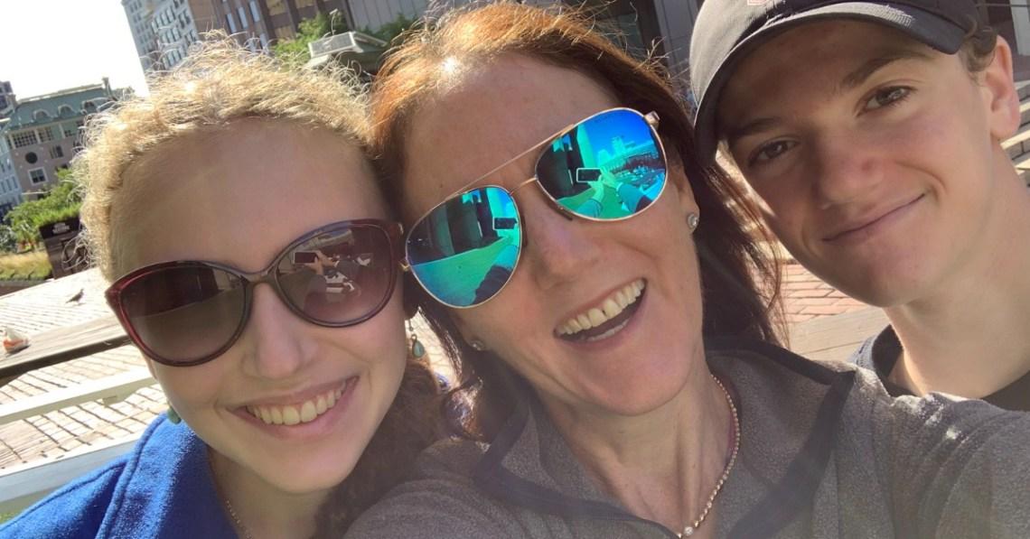 selfie-mother-and-children