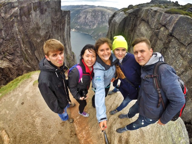 Hiking Kjeragbolten Norway with Couchsurfing members