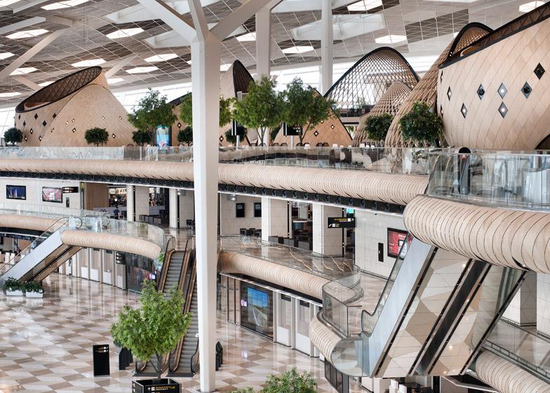 Heydar-Aliyev-Airport-terminal-by-Autoban_dezeen_784_4