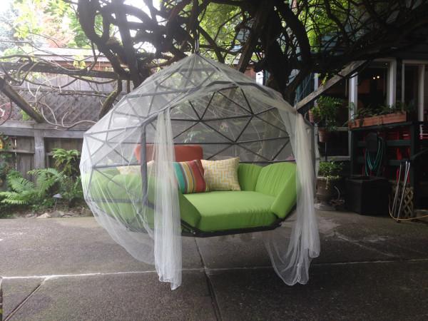 Kodama-Zome-hanging-bed-4-600x450