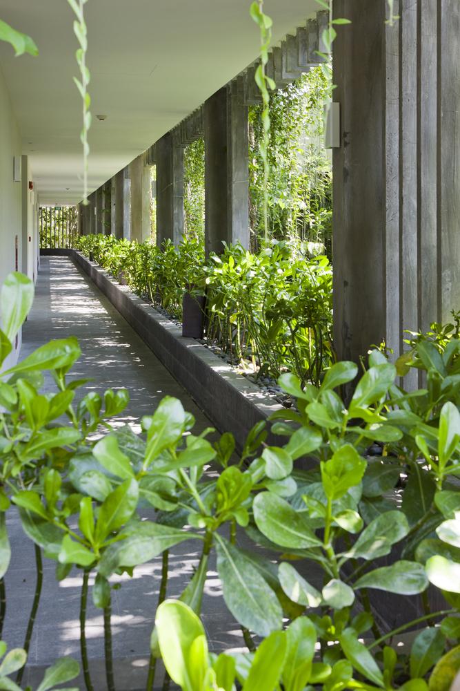 14_corridor