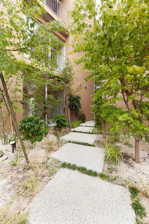 fukuoka apartment complex 04