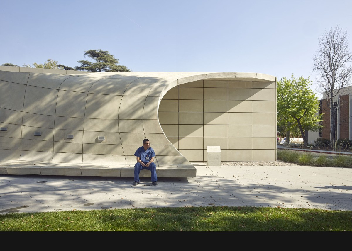belzberg-architects-kaplan-pavillion-at-city-of-hope-105