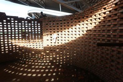 WOC_Sharon Davis_19_construction